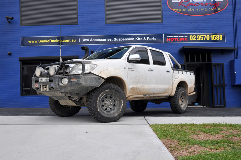 2005+ Toyota Hilux Suspension Lift Kit | Snake Racing - 4x4