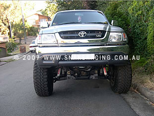"2006 Toyota Hilux 4"" Lift Kit"
